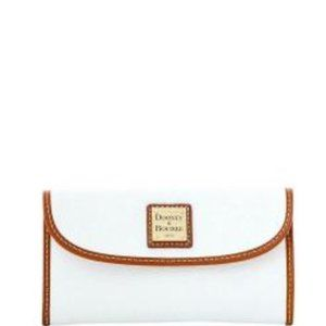 Dooney & Bourke Pebble Grain Continental Clutch